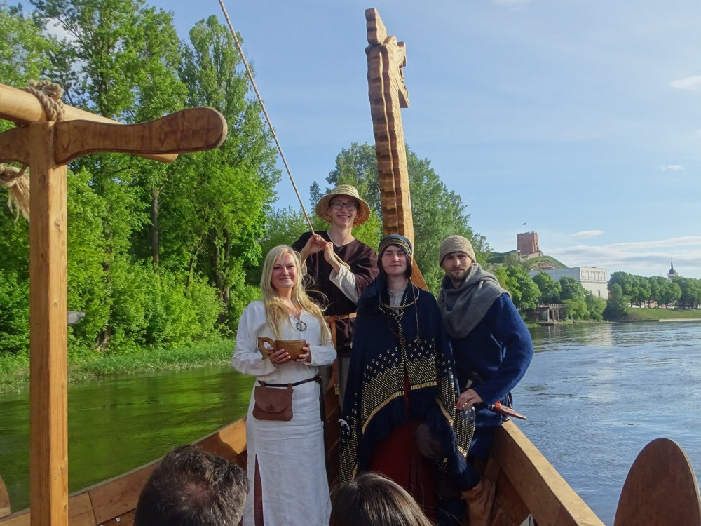 VIKING SHIP TOUR